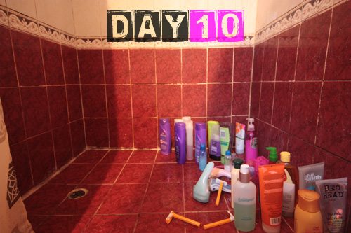girls_shower_toiletries-day-10