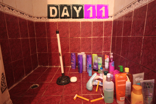 girls_shower_toiletries-day-11