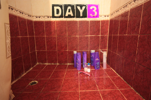 girls_shower_toiletries-day-3